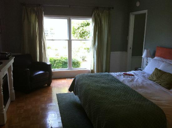 Abbey Inn: Window