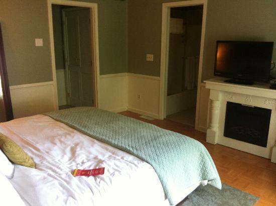Abbey Inn: Room