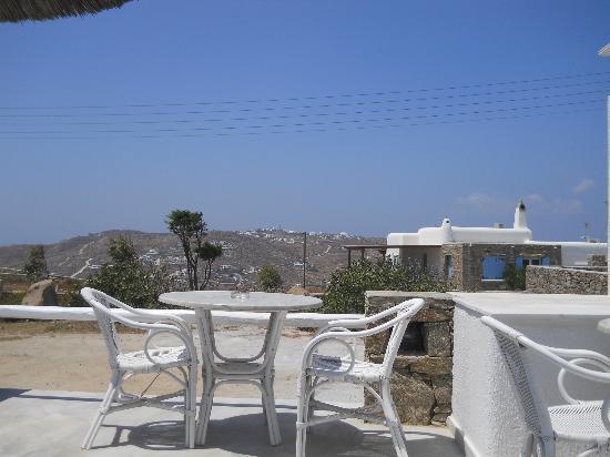 Giannoulaki Hotel : tavoli colazione e bar