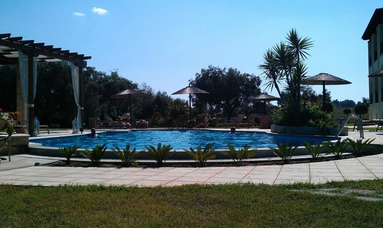 Country Inn Hotel : Pool view, private villa???