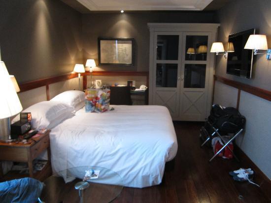 Hotel 1898: chambre supérieur 6 ième