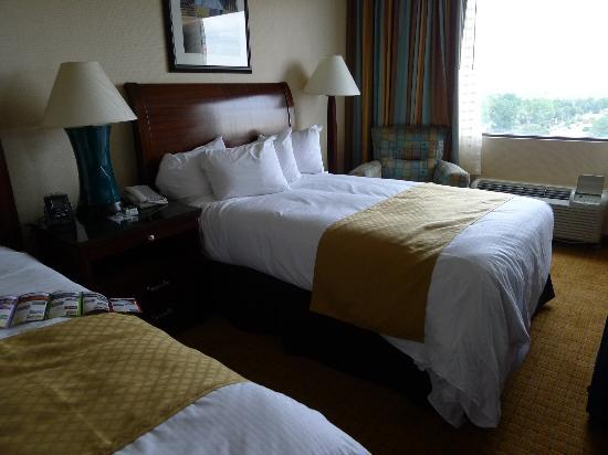 Doubletree by Hilton Hotel Denver: Beds were comfortable