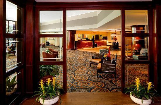 Omni Charlotte Hotel: Lobby