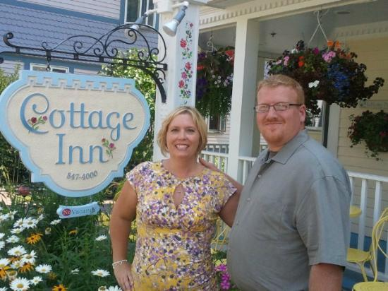 Cottage Inn of Mackinac Island: Outside the porch