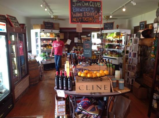 Brewster's Fine Foods: Brewster's is a combination restaurant and country store specializing in fresh, organic food. ho