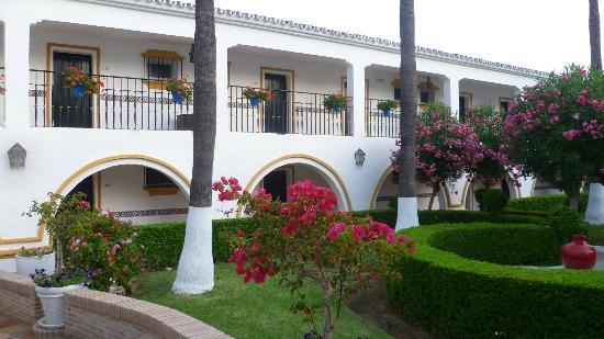 Globales Cortijo Blanco : View from the gardens (up to our room door)