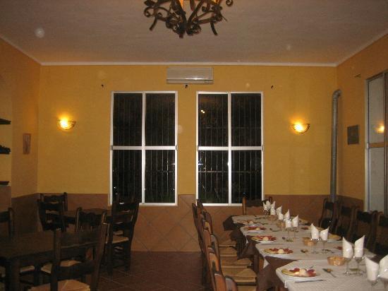 Bar Restaurante Piscina Municipal El Gastor : Salon