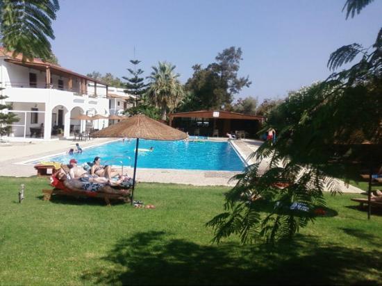 فاليان فيليدج: diaporama vue de la piscine 