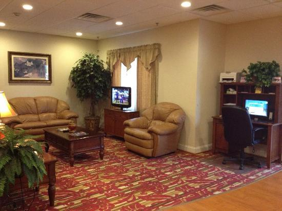 Lake Hartwell Inn & Suites: Lobby