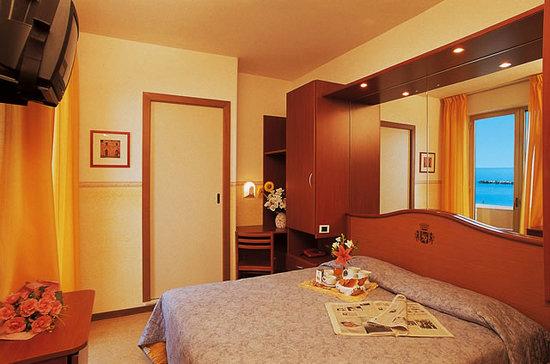 Hotel Madison San Benedetto