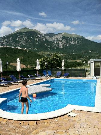 Agriturismo L'Uliveto : Relaxing pool