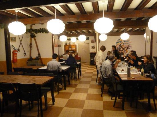 Hotel La Rafale : Breakfast