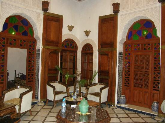 Dar Kenza: beautiful common area just outside private rooms
