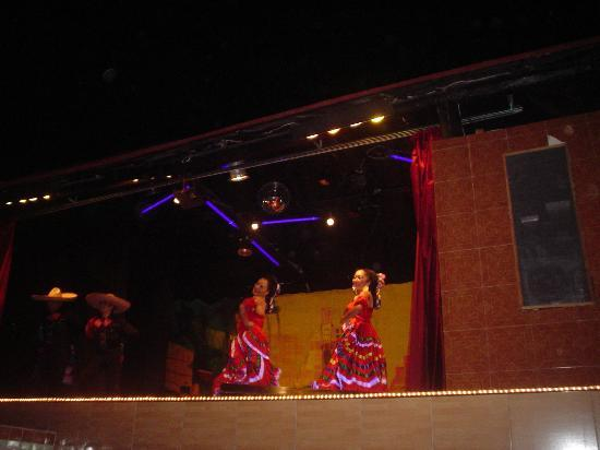 Hotel Cozumel and Resort: Show Nocturno