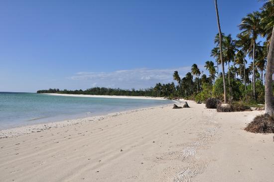 Karafuu Beach Resort and Spa: kae beach (wedding)