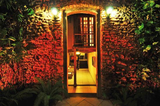 Hotel Estalagem: PORTAL CONSTRUIDO EM 1810