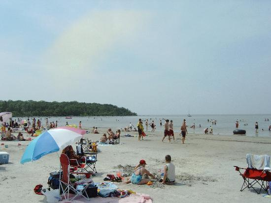 Grand Beach Provincial Park: view of west beach