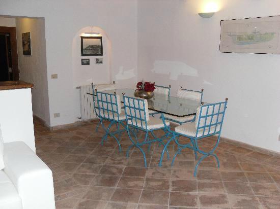 Sala e cucina - Picture of Bed & Breakfast Beba, Porto Ercole ...