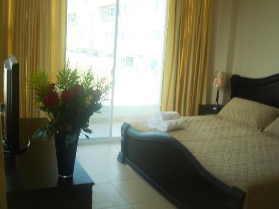 Manta, Ecuador: Very comfortable beds