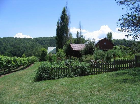 Crane Creek Vineyards: The farm and garden on site