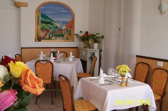 Hotel Le Mas Fleuri: salle a manger