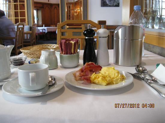 Brita Hotel Stuttgart: Brita breakfast