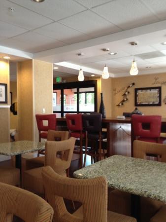 Hampton Inn Livermore: Lobby Area