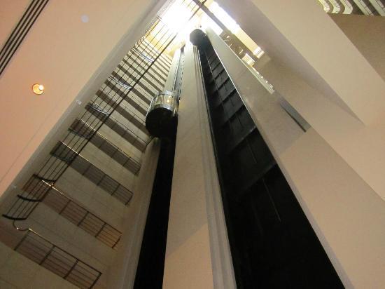 Indoor elevators picture of jw marriott san francisco for Indoor elevator