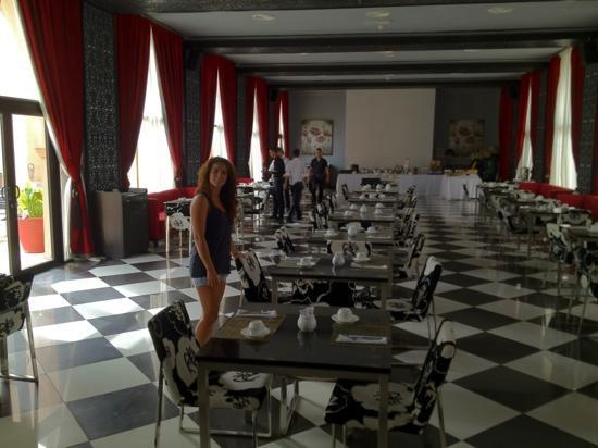 Adam Park Marrakech Hotel  & Spa: Salon bufet desayuno.