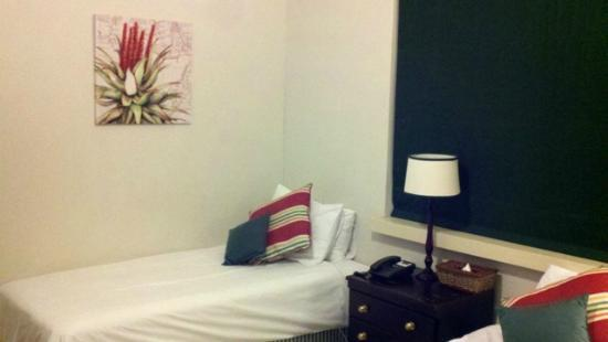 Melville Manor Guest House: Guest Room