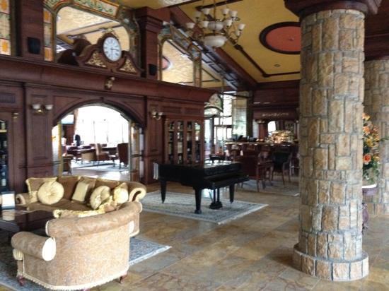 Maxi Park Hotel & Spa: lounge near check in