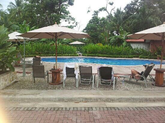 Cabinas Espadilla: area de piscina