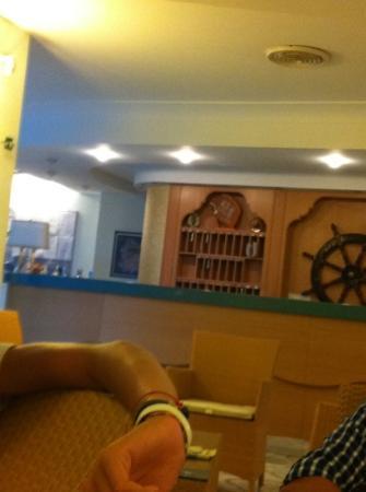 Hotel Rivamare: questa è la reception dell'hotel con uno stile molto carino