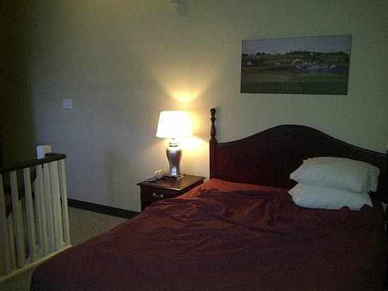 Mountain Springs Resort and Conference Centre: Upper Bedroom