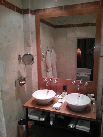 Relais Christine: Bathroom