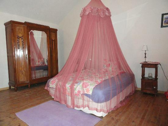 L'Oustaou du Luberon : Slapen in een hemelbed
