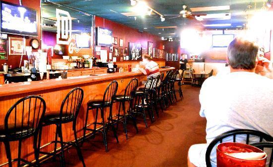 Dalton's Grill: Dining Room & Bar
