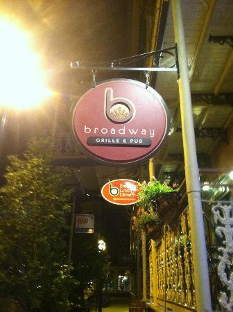 Broadway Grille & Pub: Restaurant Sign