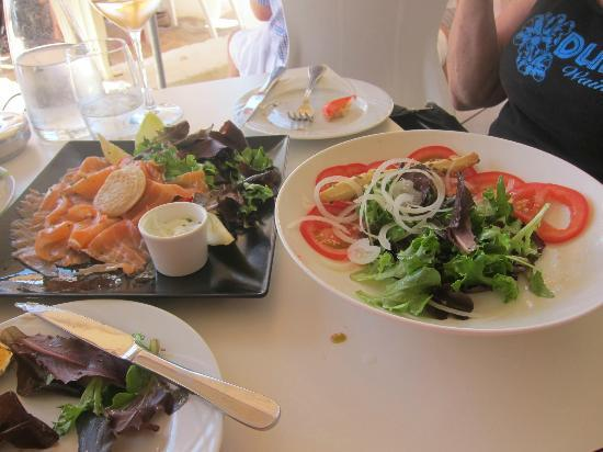 Mercure Cannes Croisette Beach: lunch @ Croisette Beach