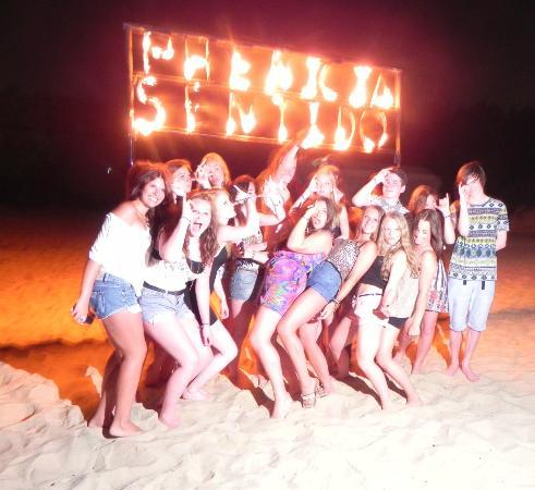 SENTIDO Phenicia : Beach party, my children and their friends they met