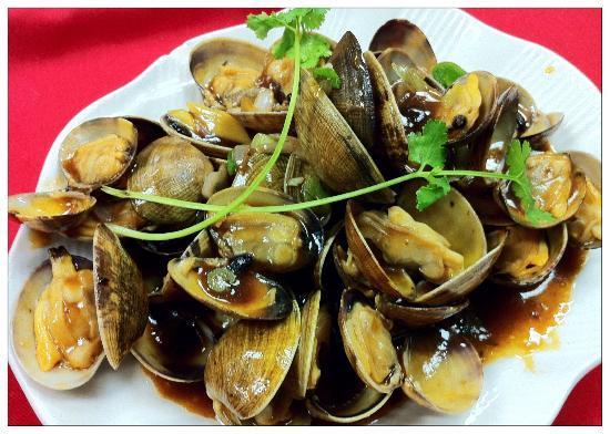 Golden Wok II: Baby Clams in Garlic sauce