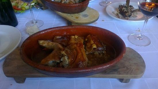 Cochinillo para uno fotograf a de el jardin pedraza for Restaurante el jardin pedraza