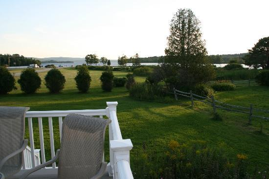 Rangeley Lakes Bed & Breakfast: Rangeley Lake ffrom the deck