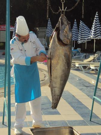 "Luana Hotels Santa Maria: Cheff cutting up ""Catch of the day"""