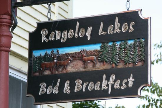 Rangeley Lakes Bed & Breakfast: Sign in front