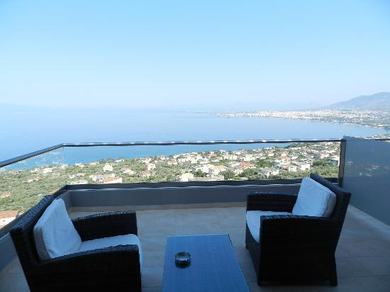 Belvedere Hotel: Room's balcony and view towards the city of Kalamata