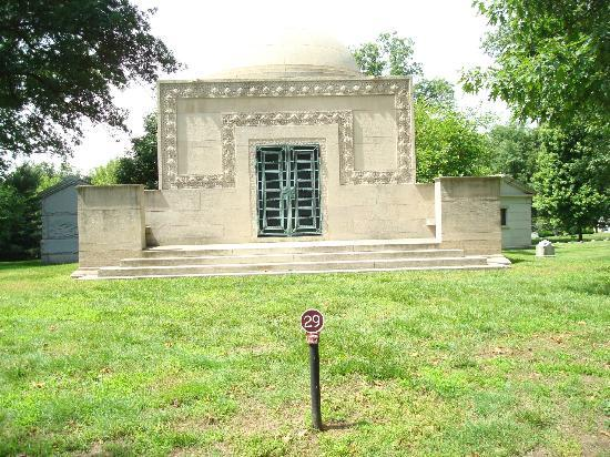 Bellefontaine Cemetery: Wainwright Tomb National Historic Landmark Mausoleum