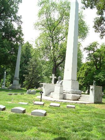 Bellefontaine Cemetery: William Clark family plot