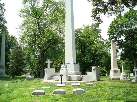 Bellefontaine Cemetery: William Clark family graves