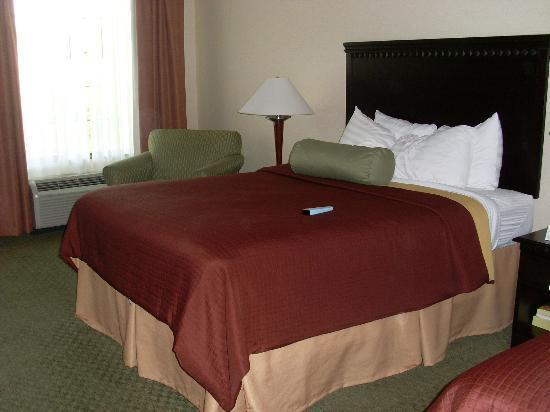 Best Western Plus Victor Inn & Suites: Bedroom